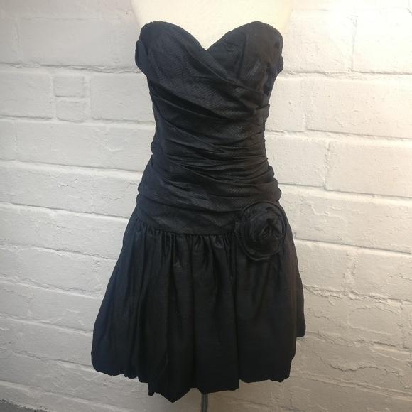 Vintage Dresses & Skirts - Positively Ellyn Gorgeous Vintage Strapless Dress